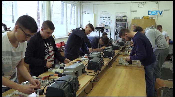 Embedded thumbnail for Riasztó létszámfogyás a felvidéki magyar szakközépiskolákban
