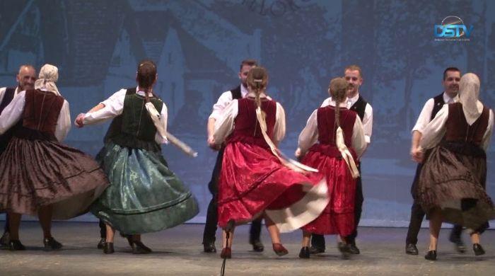 Embedded thumbnail for Visszapillantás két emlékezetes táncműsorra