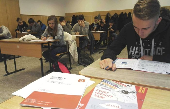 Angol nyelvi versenyek a szakközépben