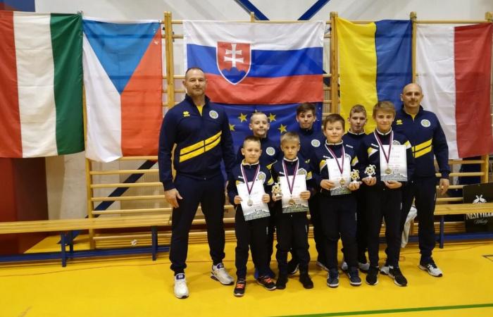 Négy érmet szereztek a diák birkózók Ólublón!