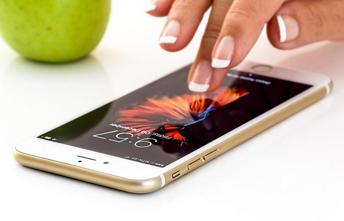 Az uniós roamingdíjak megszűnése óta megugrott a külföldi mobilhasználat