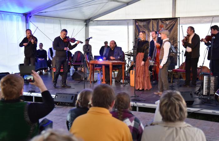 Csütörtökön Lakatos Róbert és a RÉV áll színpadra