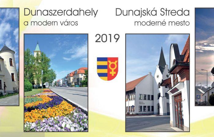 2019-es dunaszerdahelyi asztali naptár érkezik a háztartásokba