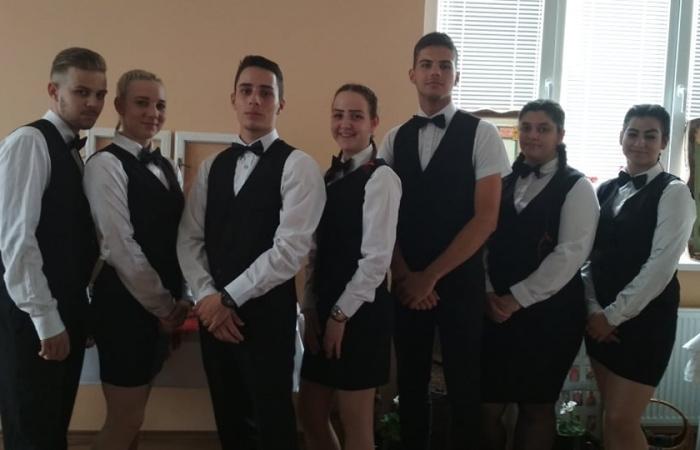 """Pikáns vendéglátás és a """"Nerat"""" hotelosai…"""