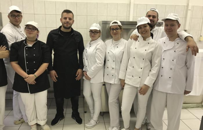 Kultúrák találkozása a dunaszerdahelyi Neratovicei téren