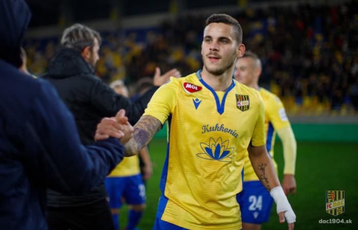 Kristián Koštrna kikerült a játékoskeretből