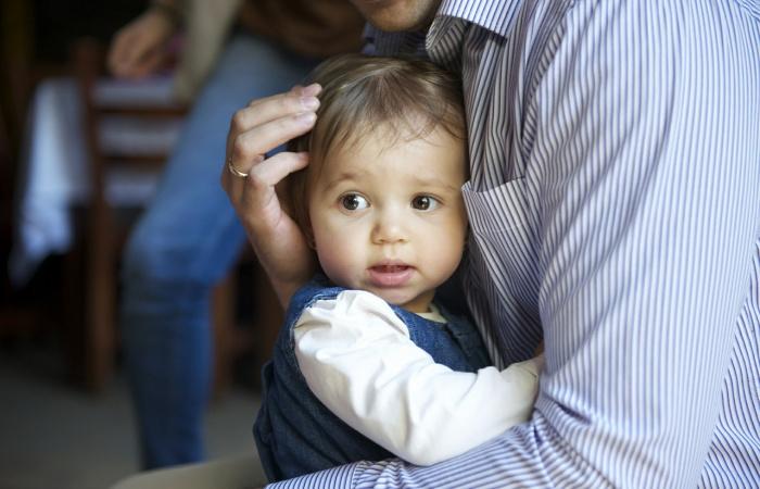 A gyermekek agyát is fejleszti az ölelés
