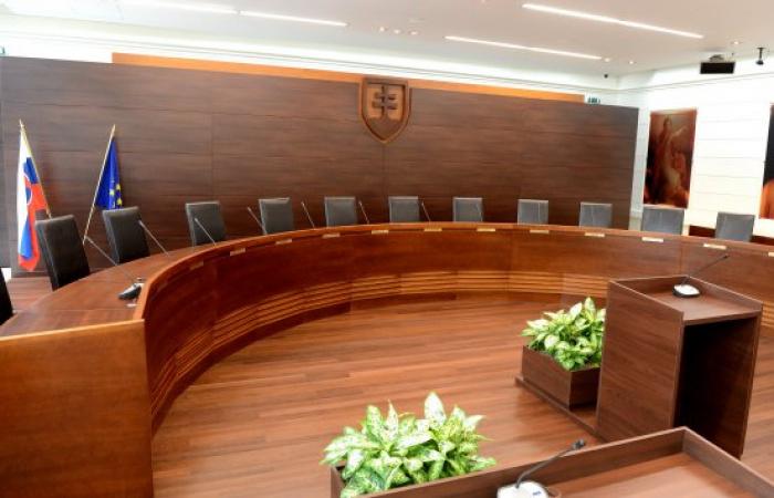 Az államfő kinevezte a hiányzó alkotmánybírákat