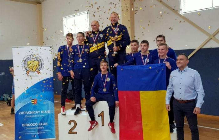 Klubtörténelmi siker, bajnokok a dunaszerdahelyi birkózók!