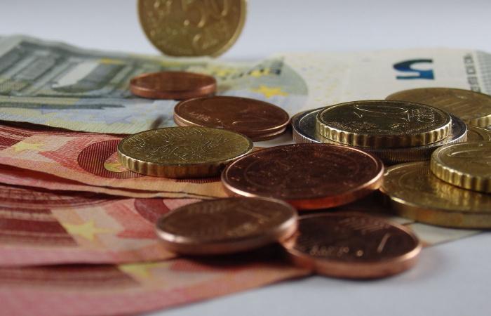 A kormány jóváhagyta az 580 eurós minimálbért