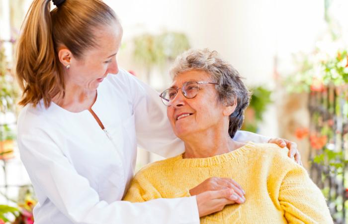 A gondozási díjnak és a személyi segítés díjának emelkedéséről