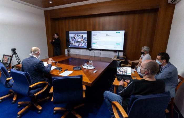 Először tanácskoztak videókonferencia segítségével a megyei képviselők