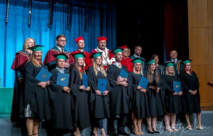 A Varsói Menedzsment Egyetem diplomáit először vették át Dunaszerdahelyen