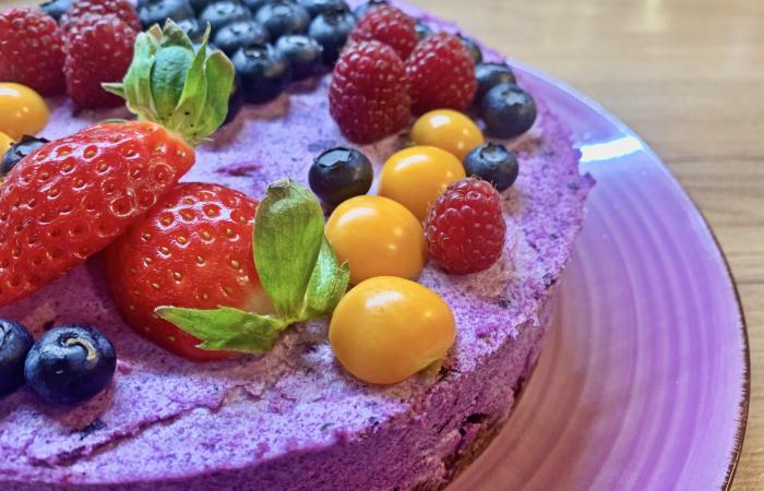 Erdei gyümölcsös raw torta