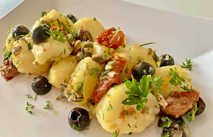 Zöldfűszeres újkrumplisaláta