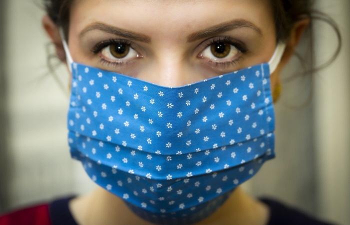 Hétvégétől változnak a szájmaszk viselésére vonatkozó előírások