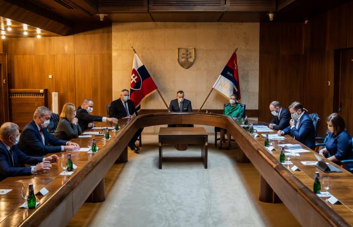 Politikai-szakértői régiófejlesztési bizottság jött létre