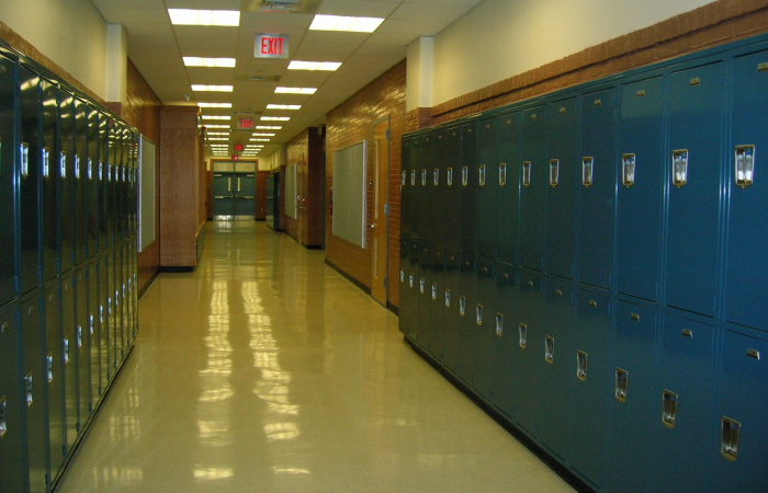 Középiskolások és szüleik figyelmébe: a hagyományos tanítás felfüggesztése nem szünetet jelent