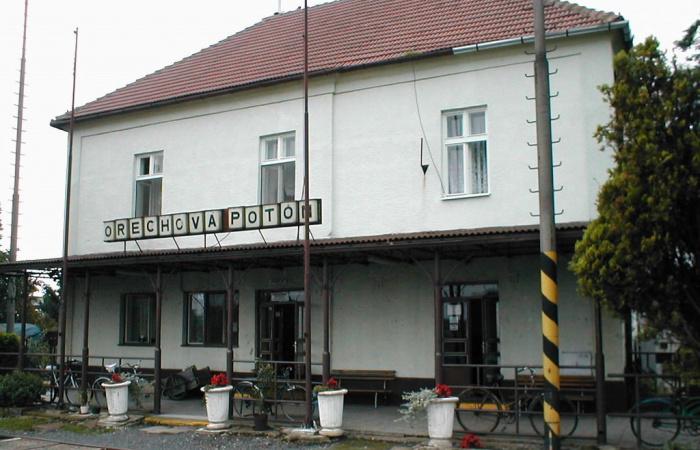 Vágányzár Dunaszerdahely és Dióspatony között