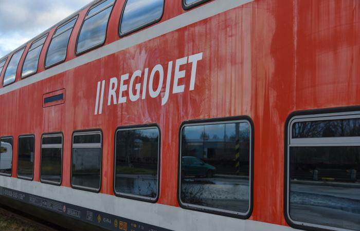 RegioJet: Az utasok csak szájmaszkban szállhatnak fel a vonatra