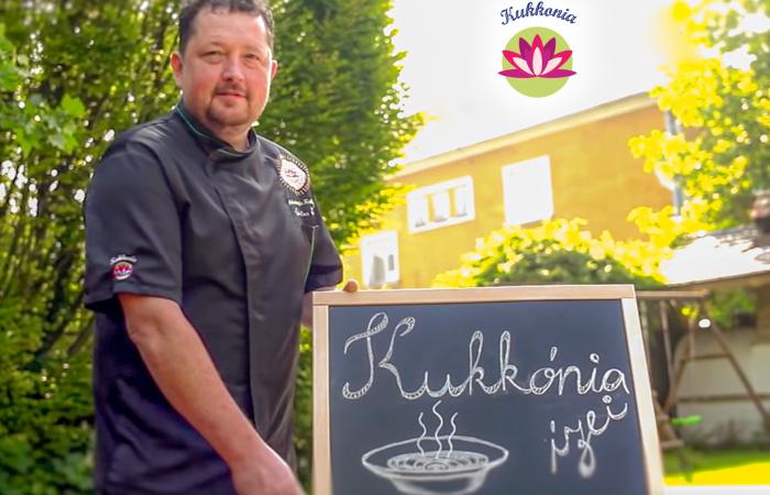 Kukkónia ízei – Könnyű és gyors paprikáscsirke házi metélttel