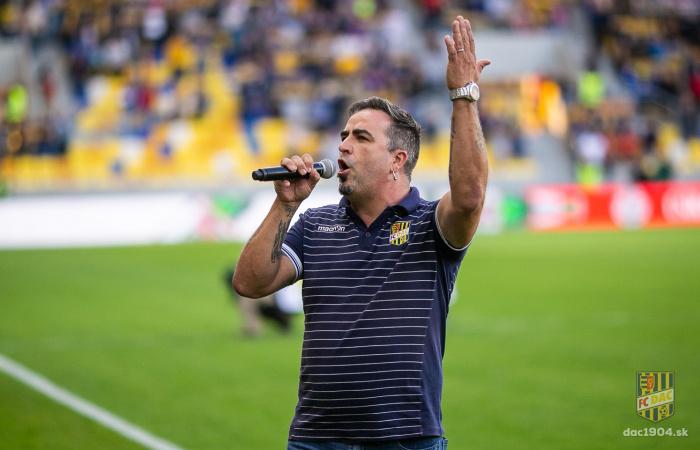 Kovács Koppány: Nagyon sok énekes álma a MOL Arénában előadni a Nélküledet