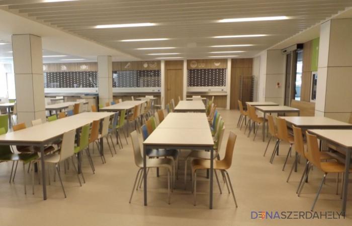 Oktatási miniszter: tárgyalni fogunk az ingyen ebédről és az ingyenes utazásról