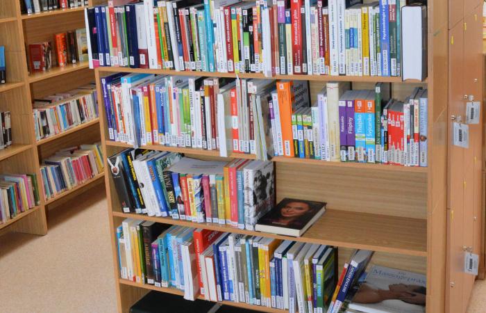 Enyhülés a könyvtárban
