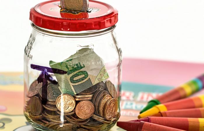 Mennyivel emelkednek januártól a nyugdíjak?