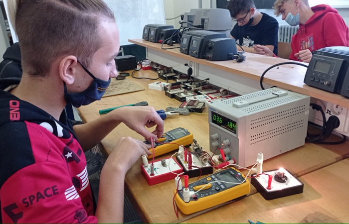 A dunaszerdahelyi Informatikai és Szolgáltatóipari Szakközépiskola kínálata