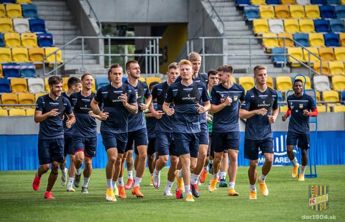 Meccs előtti edzés a MOL Arénában