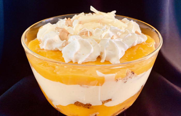 Mangós-vaníliás-rumos trifle