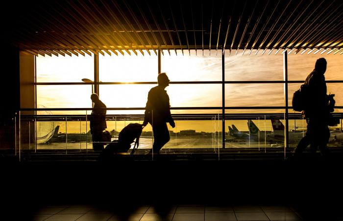 Ha repülővel tér haza rizikós országból regisztráltatnia kell magát!