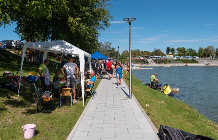 Tóparti parti, avagy horgászat, halászlé és családi szórakozás