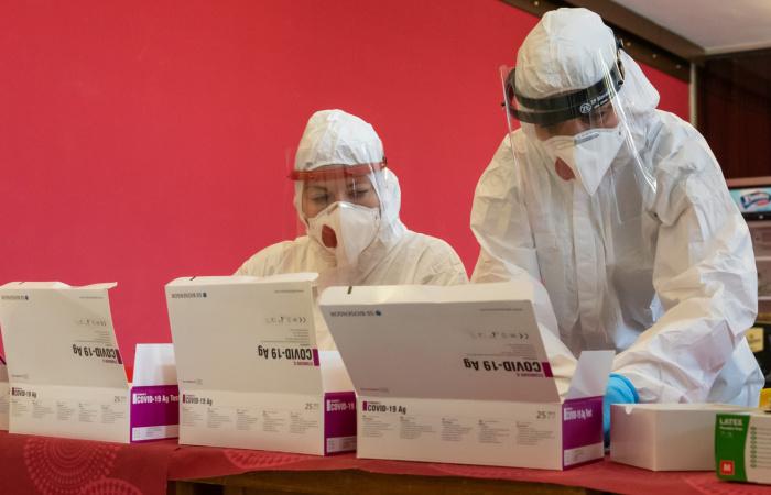 Már meg is van az összes egészségügyis, akik a teszteléseknél segíteni fognak!