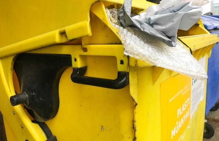 A héten szállítják el a műanyag hulladékot