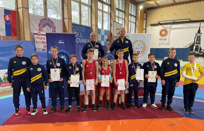 Birkózás: Csapatbajnoki cím, valamint három egyéni bajnoki cím Rimaszombatból