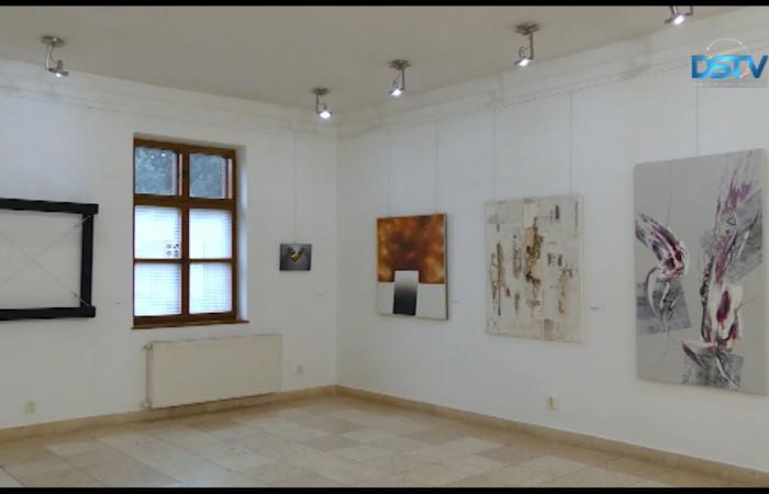 Embedded thumbnail for Első alkalommal online kiállítás a galériában