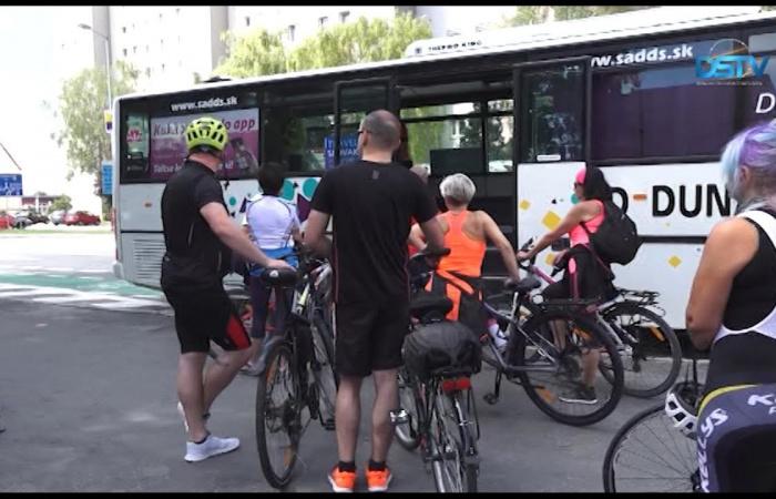 Embedded thumbnail for Ismét közlekedik a népszerű kerékpárszállító busz