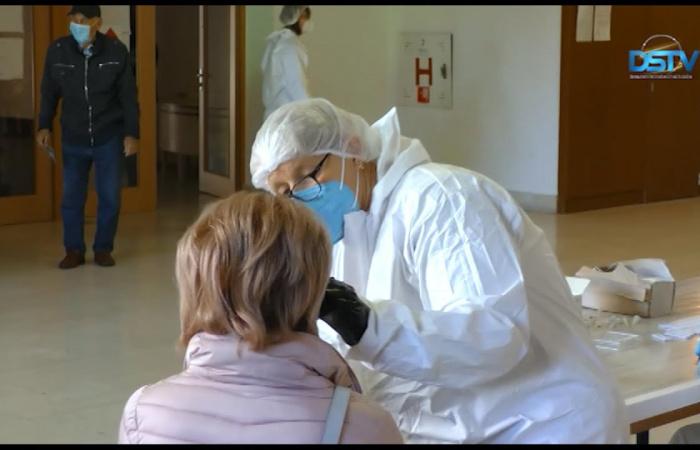 Embedded thumbnail for Több teszt és kevesebb fertőzött a tömeges tesztelésen a járásban
