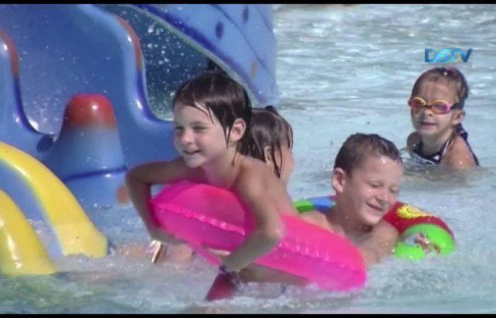 Embedded thumbnail for Hamisítatlan nyári hangulat a dunaszerdahelyi termálfürdőben