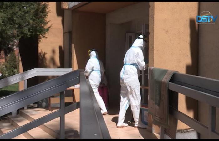 Embedded thumbnail for Tesztelés az idősek otthonában, a romatelepen is ez következhet