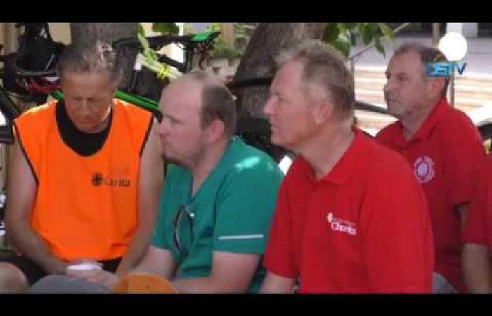 Embedded thumbnail for A karitász tagjai kerékpárral érkeztek Dunaszerdahelyre