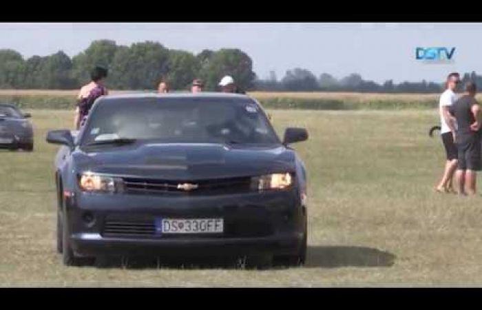 Embedded thumbnail for Amerikai autócsodák kápráztatták el a közönséget