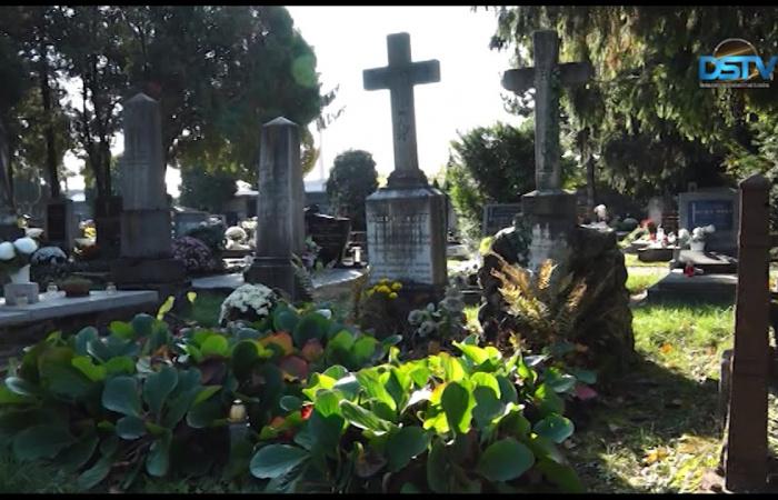 Embedded thumbnail for Újabb hat neves dunaszerdahelyi személyre emlékeztünk a temetőben