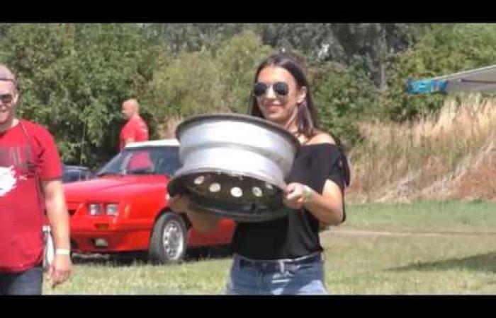 Embedded thumbnail for Tiszta Amerika Sikabonyban, amerikai autócsodákkal