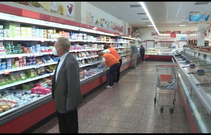 Embedded thumbnail for A többség a vasárnapi boltzár mellett van