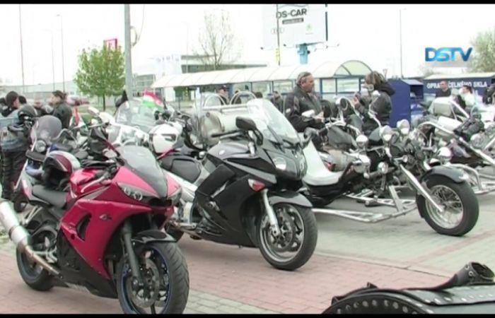 Embedded thumbnail for A motorosok hagyományos találkozóval indították az idényt