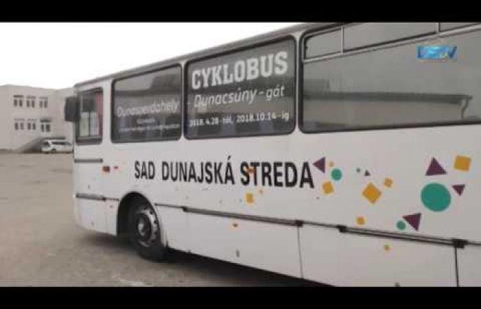 Embedded thumbnail for A kerékpárszállító busz ingyen szállítja Dunacsúnig az utasokat