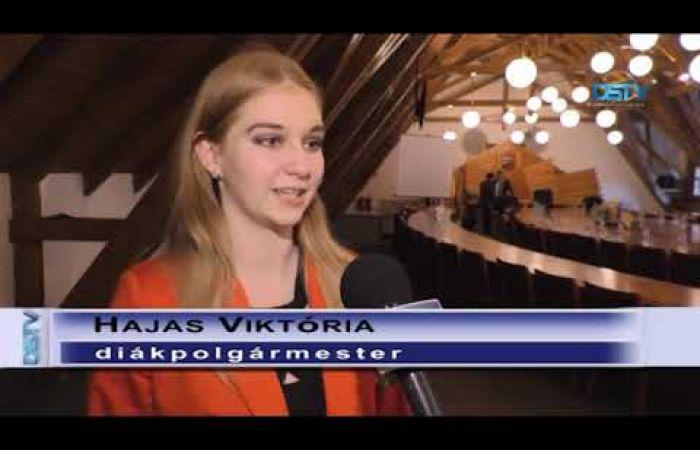 Embedded thumbnail for Hajas Viktória lett Dunaszerdahely nyolcadik diákpolgármestere